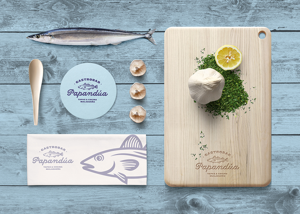 papandua_branding_graphic_design_restaurant_fish_stationery_2