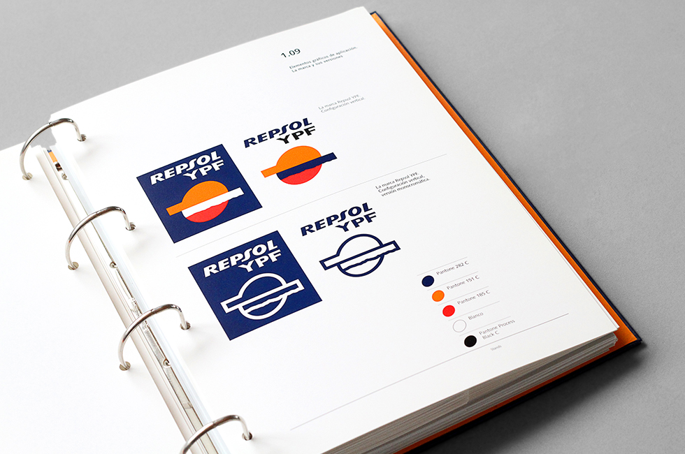 repsol_branding_packaging_graphic_design_motor_oil_guidelines_detail_1